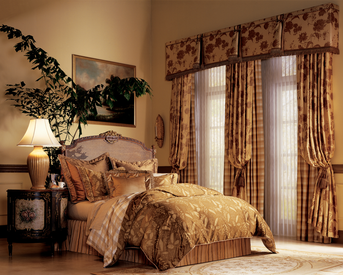 pairing custom drapery with blinds shades dallas plano. Black Bedroom Furniture Sets. Home Design Ideas